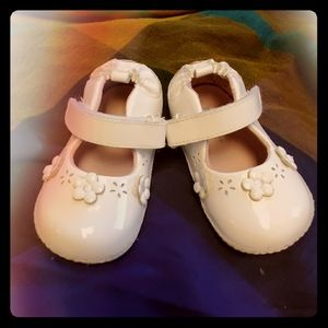 Robeez White Patent Leather Mary Janes